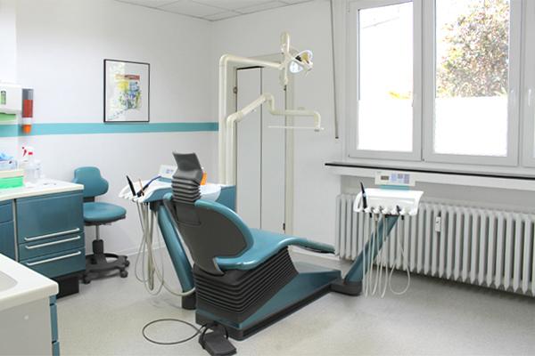 Einrichtung - Zahnarztpraxis Barbara Weller-Fatemieh in 40470 Düsseldorf